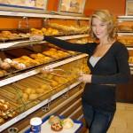 Ex Miss Austria und Medizinerin Dr. CHRISTINE REILER schätzt einen schnellen, frischen Snack in der SCS.