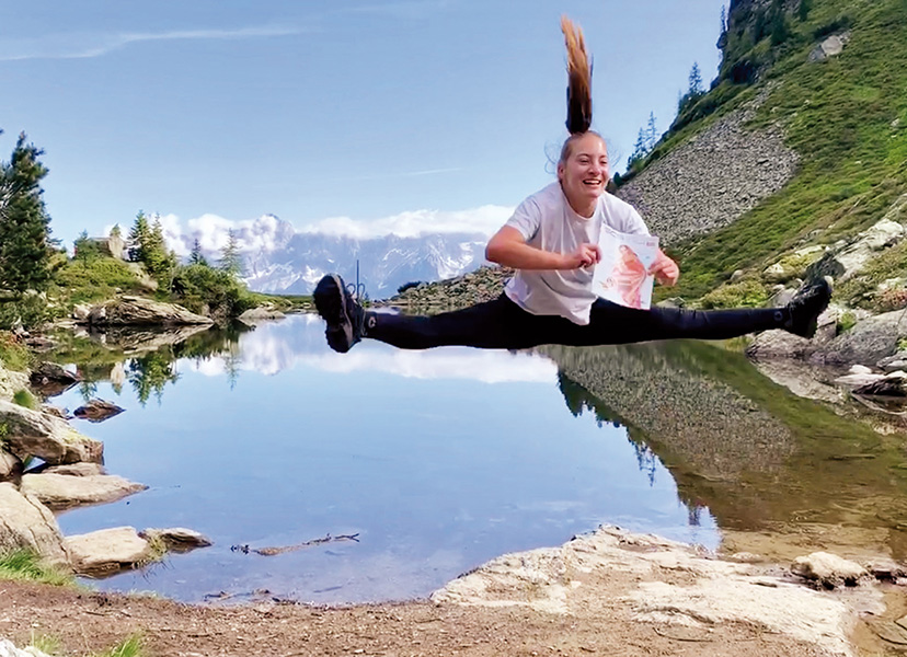Frau springt See SCS Magazin